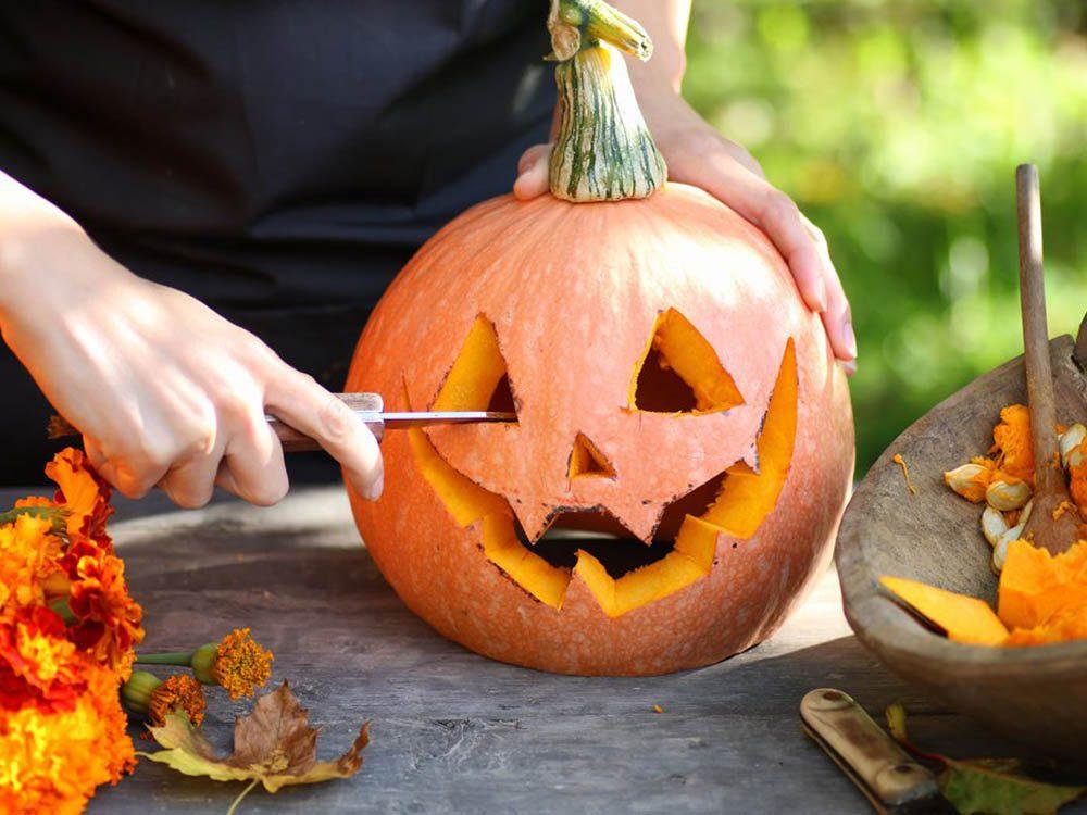 En automne, décorez votre maison de citrouilles!