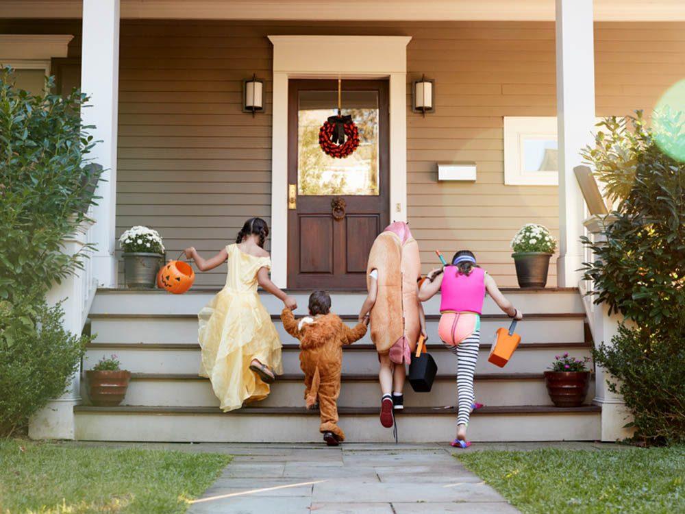 En automne, trouvez le parfait déguisement d'Halloween.