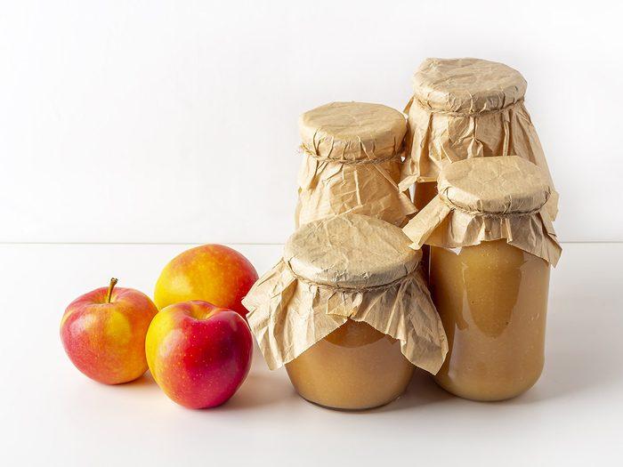 Faire des conserves avec de la pectine de pommes.