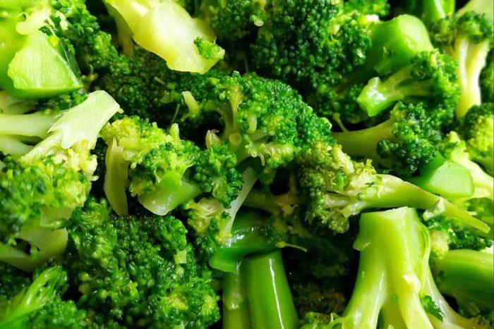 Parmi les fruits et légumes à l'honneur en automne: le brocoli.