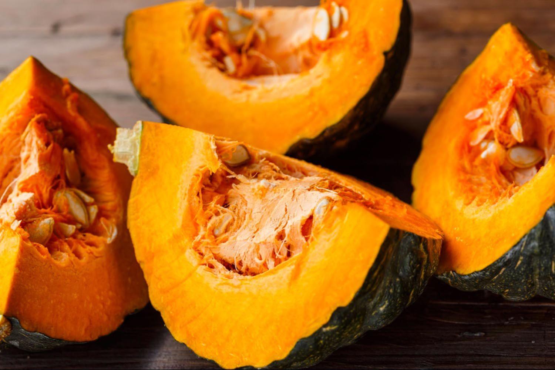 Dégustez des fruits et légumes d'automne, comme la courge.