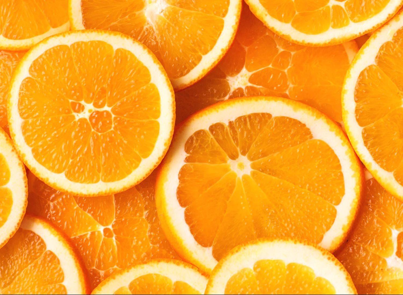 Parmi les fruits et légumes d'automne, on retrouve les oranges.
