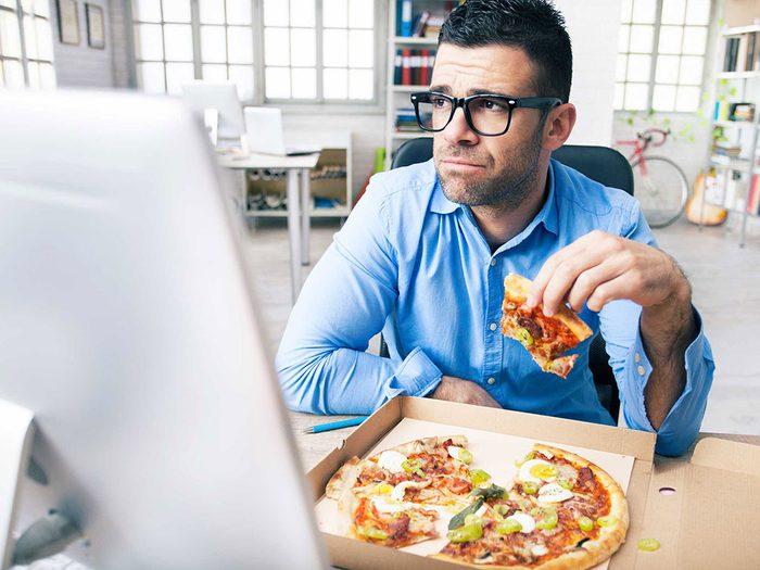 Ne mangez pas vos émotions si vous voulez perdre votre graisse abdominale.