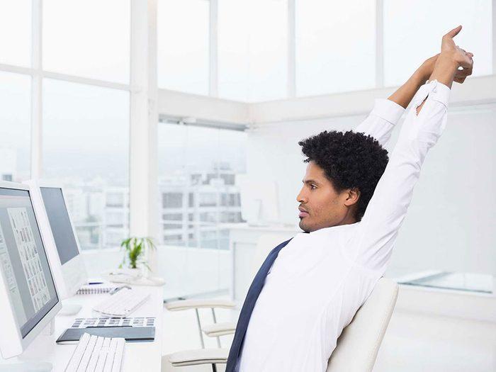 Éliminer la graisse abdominale en passant moins de temps assis.