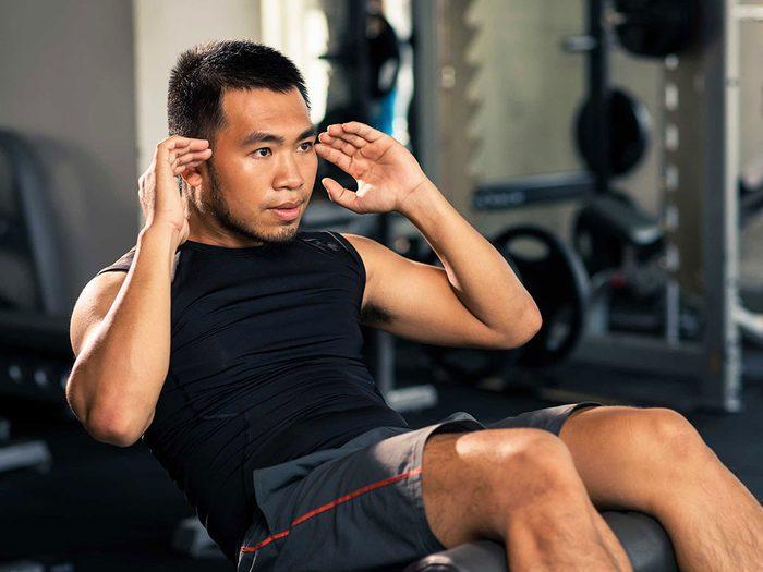 Certains exercices tonifient les muscles abdominaux, mais ne brûlent pas la graisse abdominale.