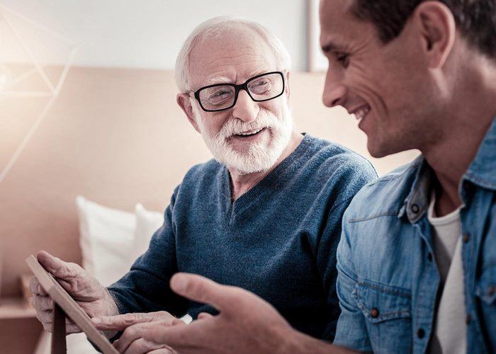 Demandez à vos grands-parents de vous raconter une journée typique de leur enfance.