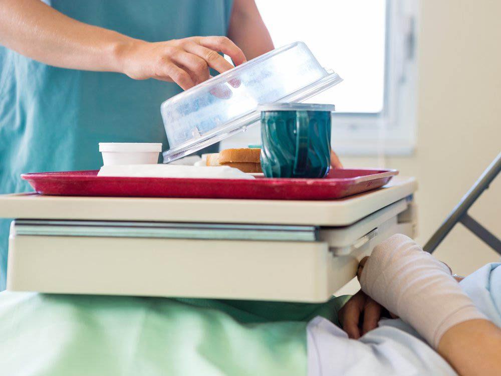 Ne prenez pas les infirmières pour des femmes de chambre.