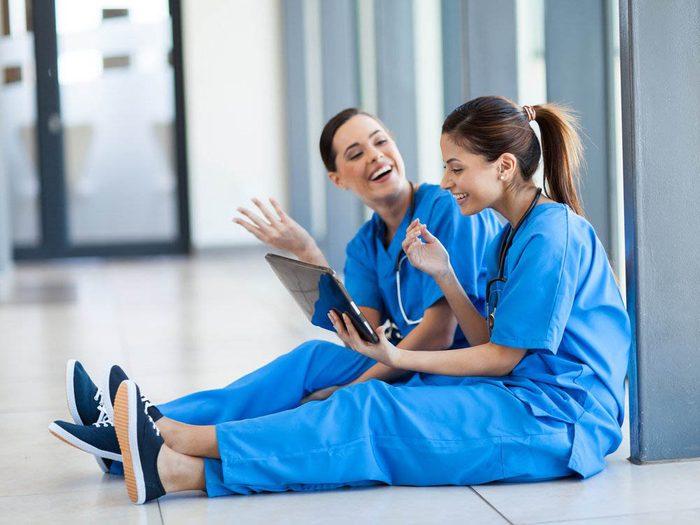 Les infirmières regardent aussi la série Dre Grey, leçons d'anatomie