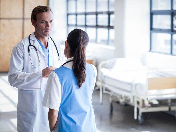 Les infirmières incitent les médecins à faire preuve d'honnêteté.