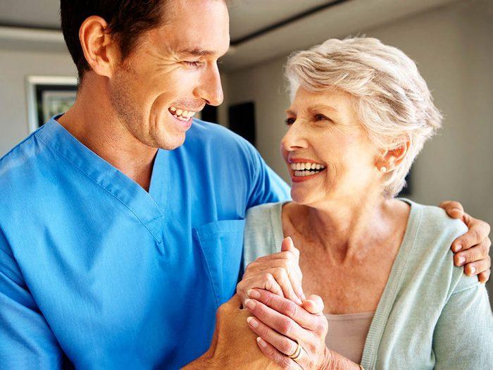 Les infirmières aiment aussi les visites amicales.