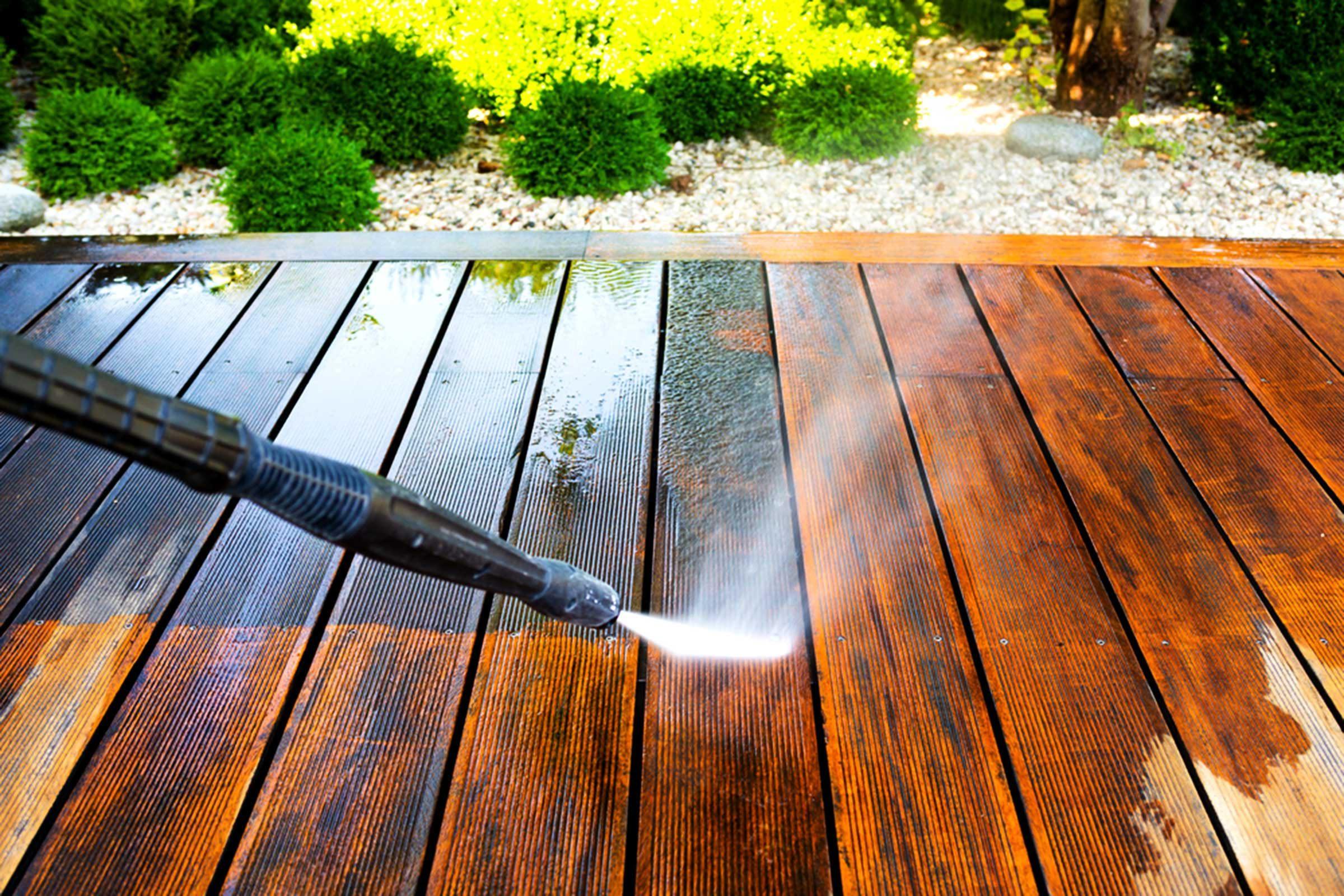 Votre maison sera embellie avec un bon nettoyage extérieur.