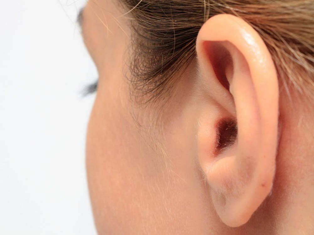 L'arrière des oreilles est l'une des parties du corps que vous ne lavez pas assez.