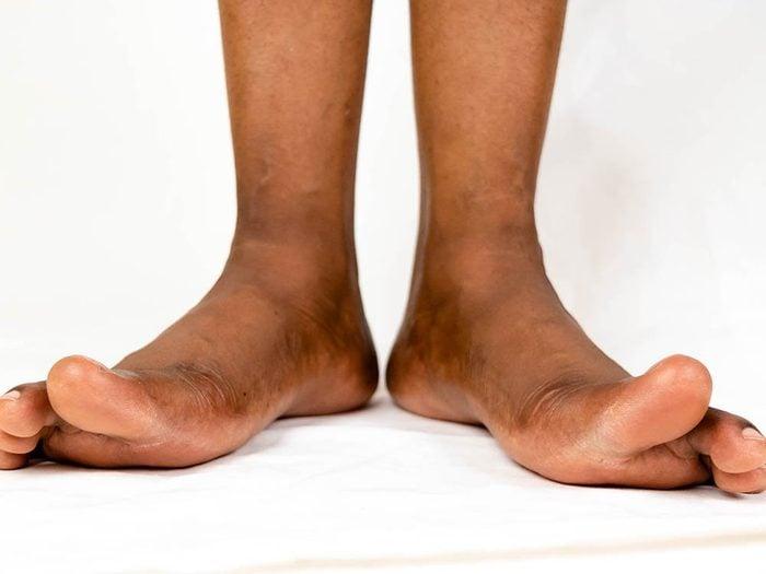 Le dessous et les côtés des pieds sont des parties du corps que vous ne lavez pas assez.