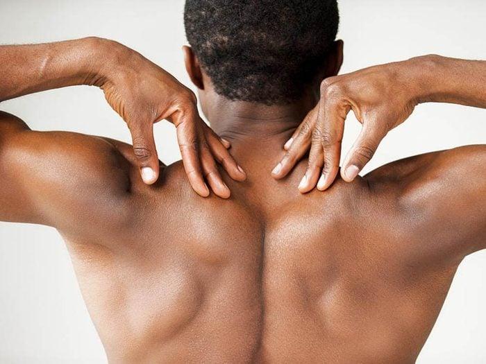Le dos est l'une des parties du corps que vous ne lavez pas assez.