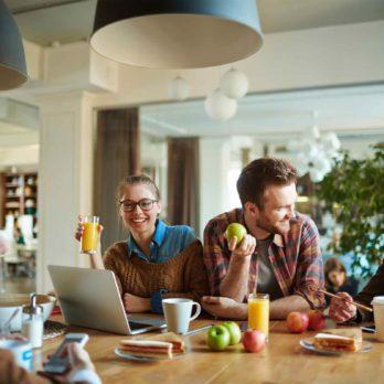 Pauses repas: 14 secrets des gens heureux et en santé au travail