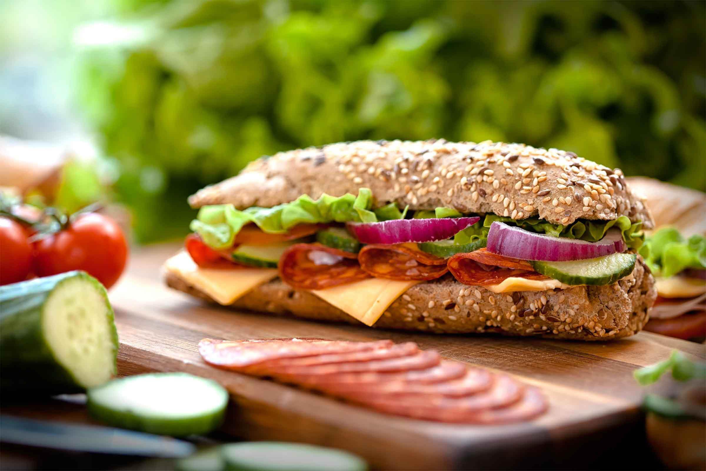 Durant votre pause repas, n'avalez pas tout un sandwich.