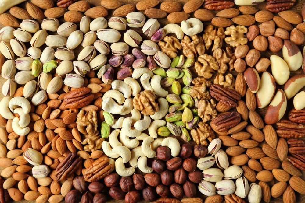 Gardez une belle peau en mangeant des noix.