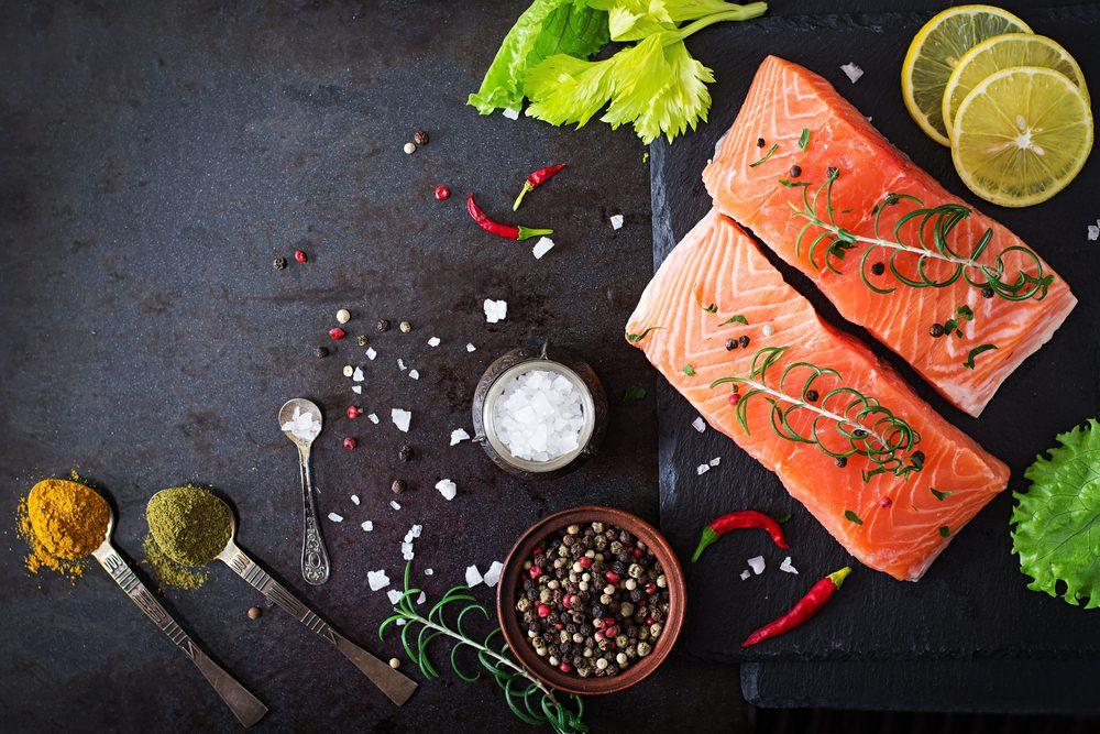 Soin de la peau: les poissons gras préviennent l'inflammation cutanée.