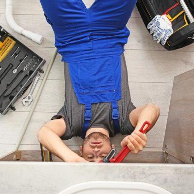 Choisissez un plombier certifié.