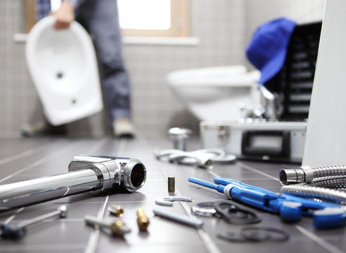Faites appel à un plombier si vous ne savez pas résoudre le problème.