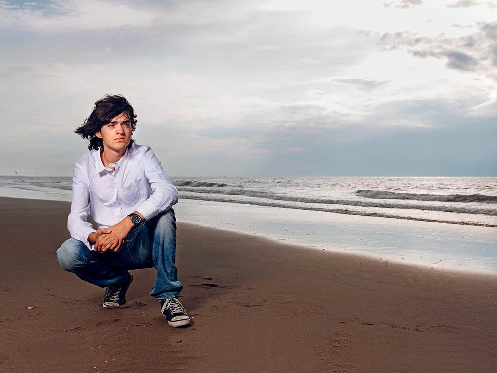 Boyan Slat lance une idée pour éliminer la pollution marine.