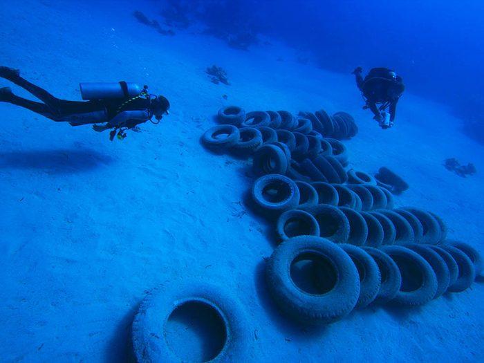 L'envie de Boyan Slat de supprimer la pollution marine lui est venue lorsqu'il faisait de la plongée.