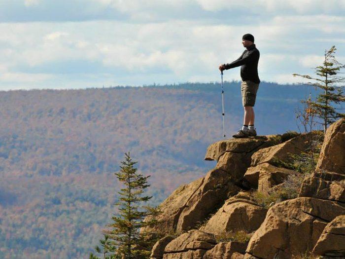 Profitez d'une randonnée pédestre sur les sentiers des 3 monts.