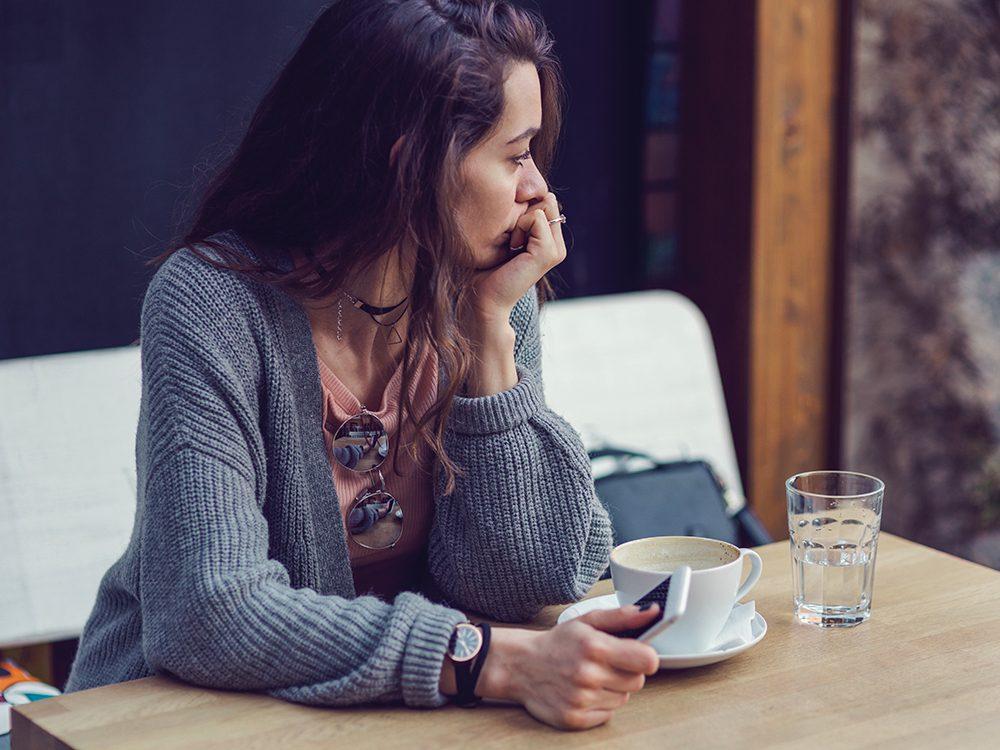 Après une rupture, ne harcelez pas votre ex sur les réseaux sociaux.