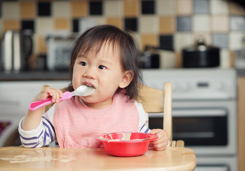 La dose de sel recommandée est souvent dépassée par les enfants.