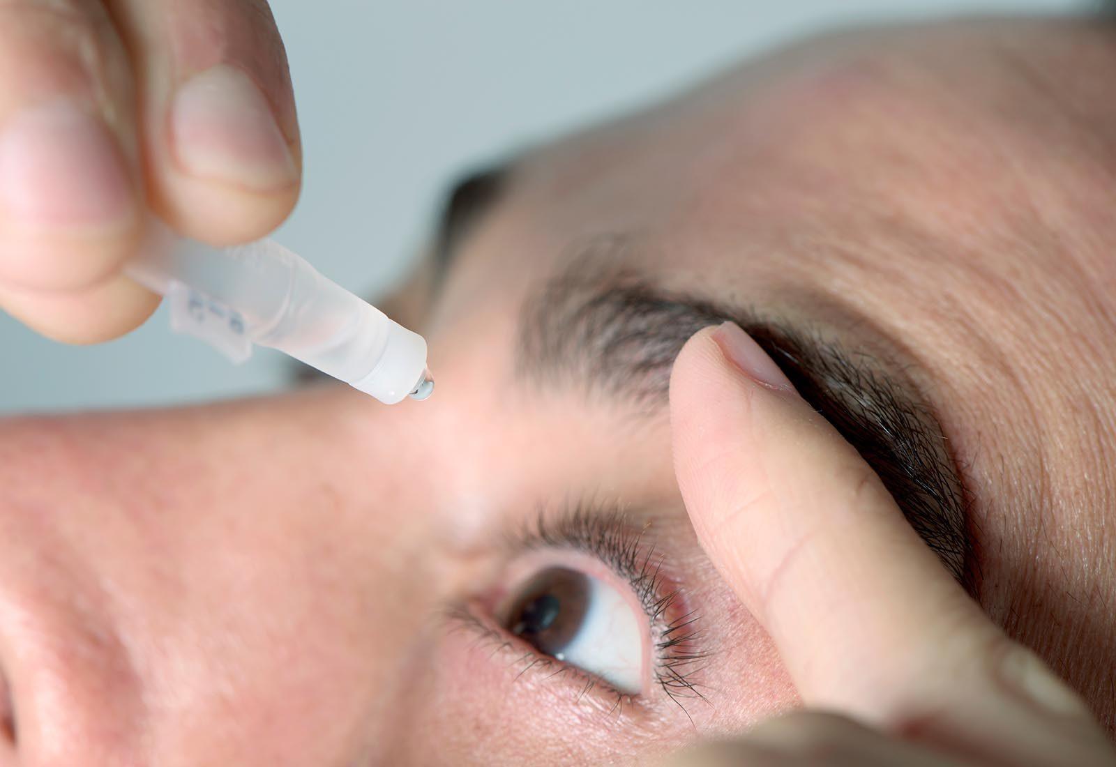 Le sel d'epsom peut être utilisé pour rincer les yeux.