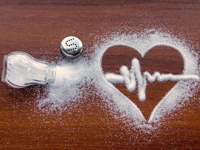 Le sel fait des ravages sur la tension artérielle et la santé en générale.