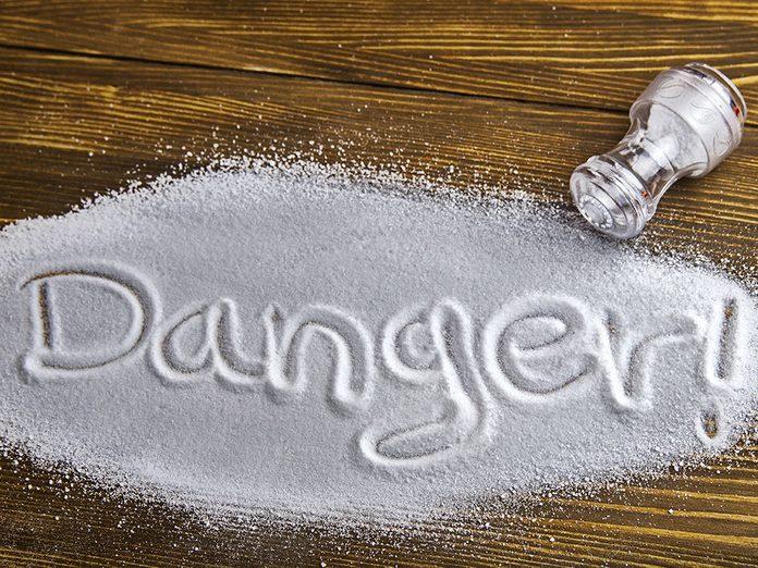 Sel et santé: si les Canadiens absorbaient moins de sel, des décès seraient évités.
