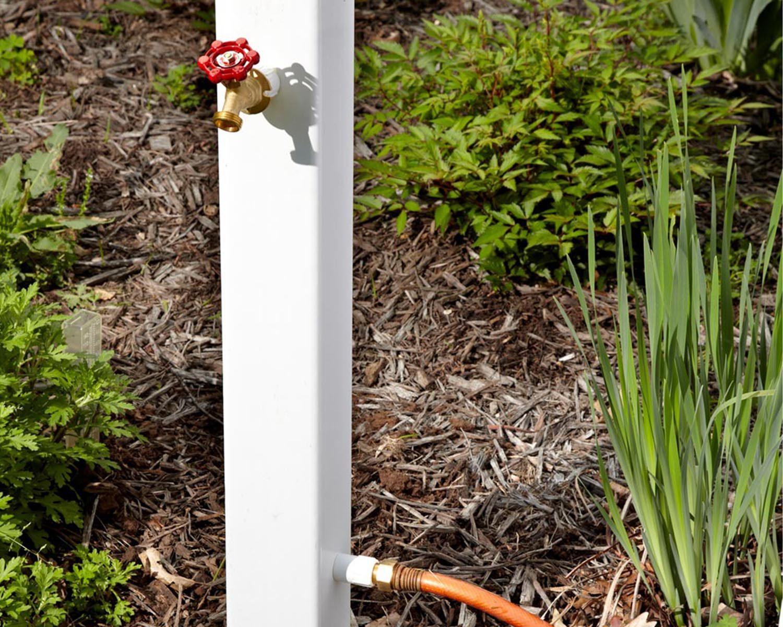 Trucs rénovation: transformez vos piquet en extension pour robinet extérieur.