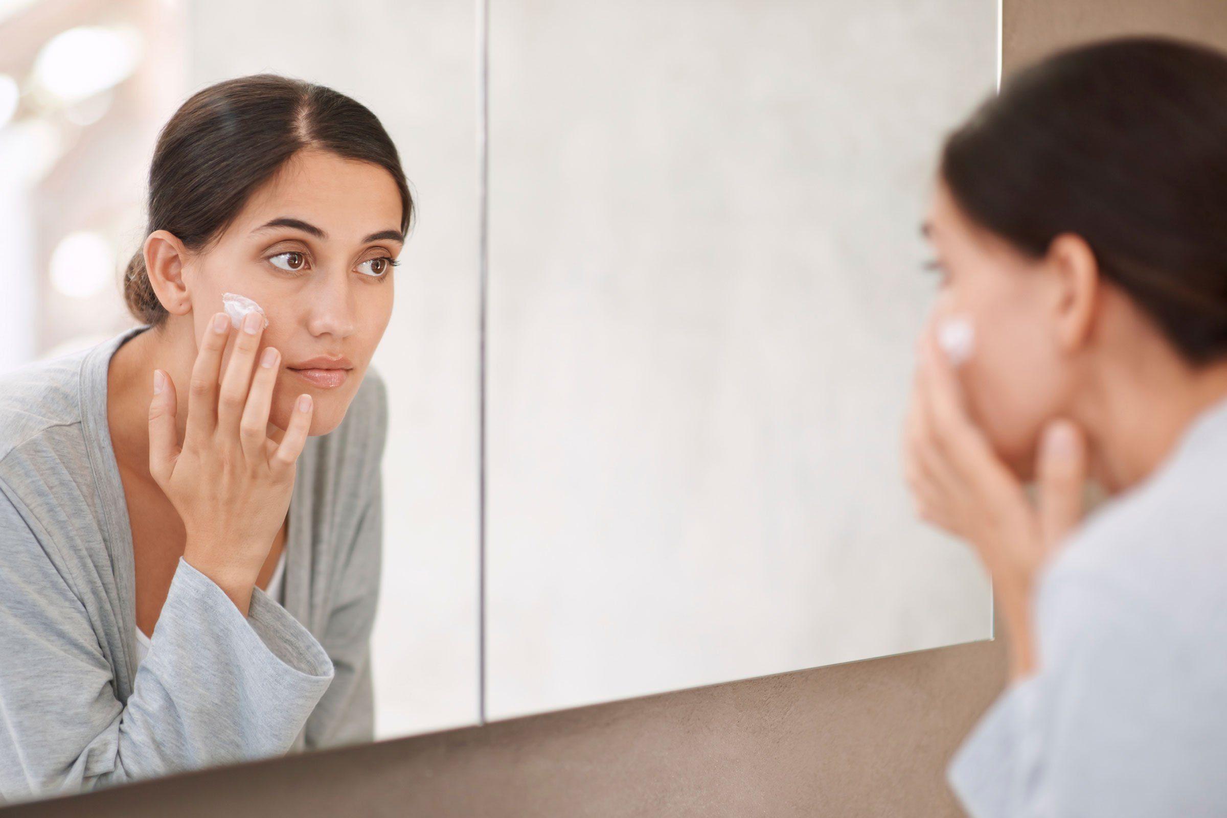 Soin de la peau: Mettez toujours une crème contour des yeux