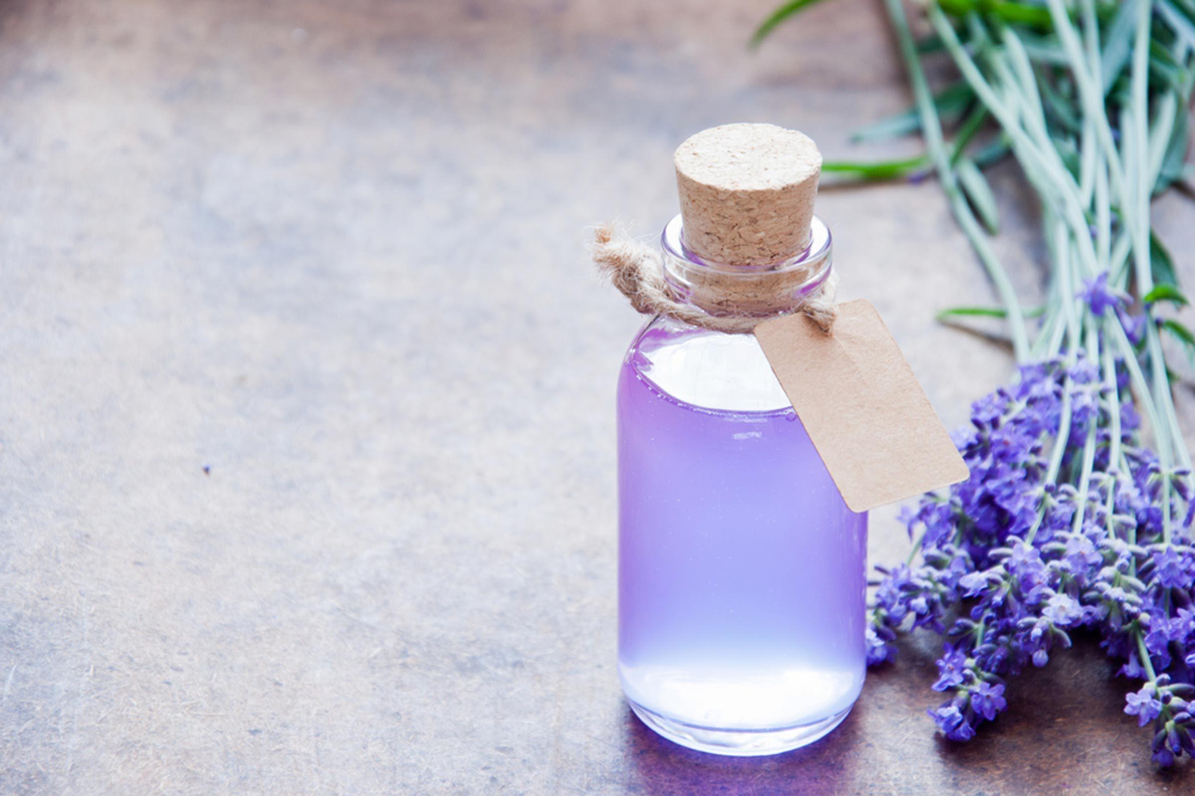 Des huiles essentielles pour soulager les crampes menstruelles... L'huile de lavande