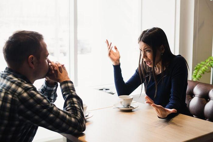 Astuce de communication en couple : Ne soyez pas sur la défensive