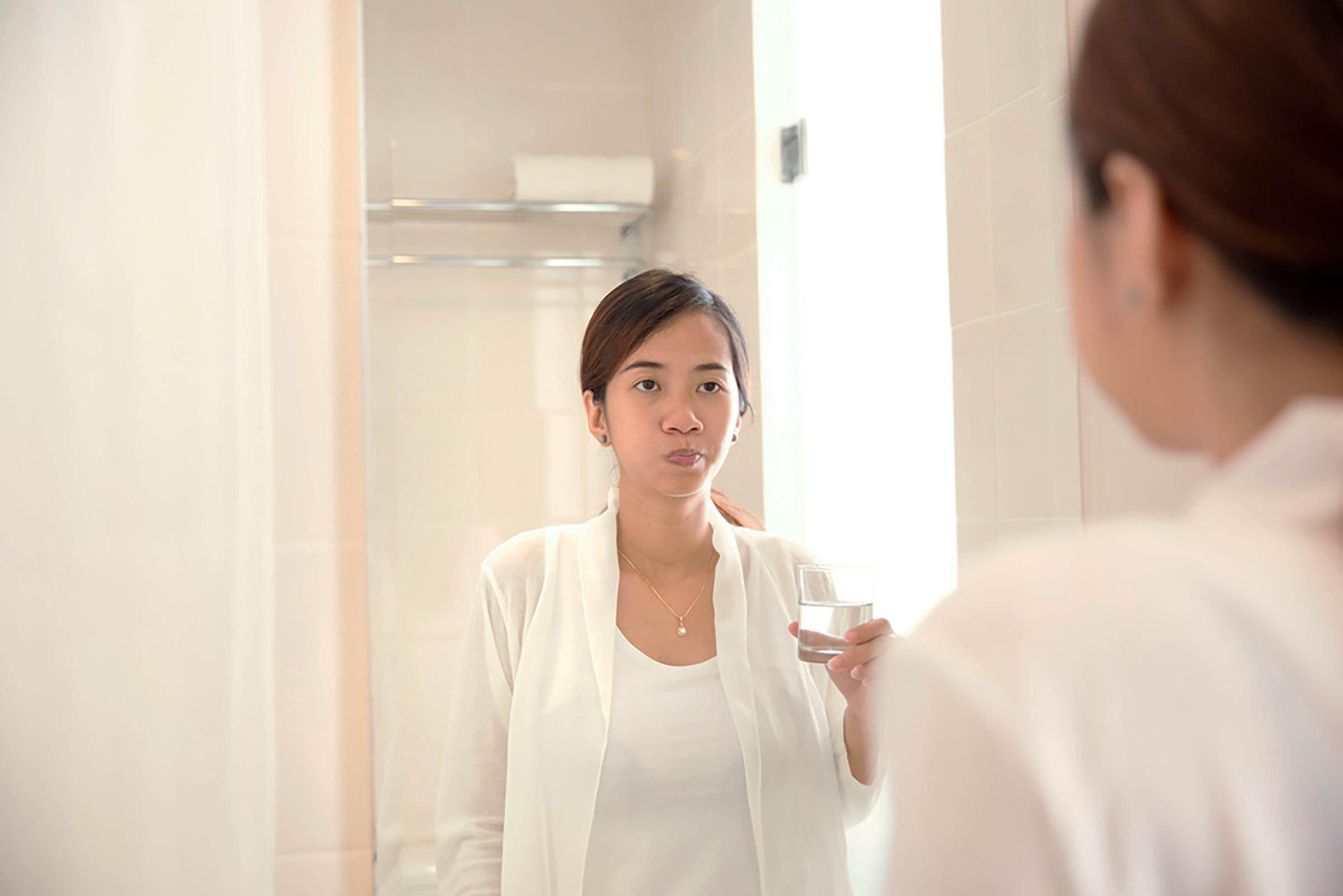 Effet beauté du vinaigre de cidre: blanchir les dents