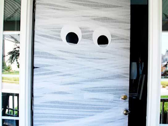 Décorations Halloween : porte d'entrée fantôme
