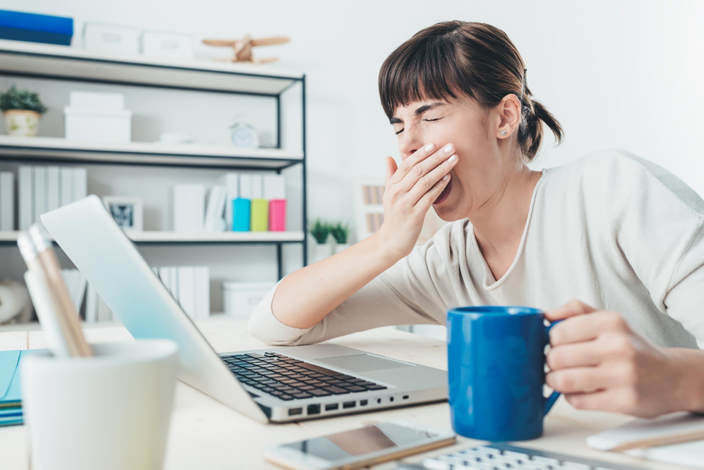 Conseil santé : ne pas remplacer le sommeil par la caféine