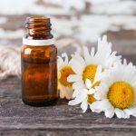 8 huiles essentielles pour soulager les crampes menstruelles