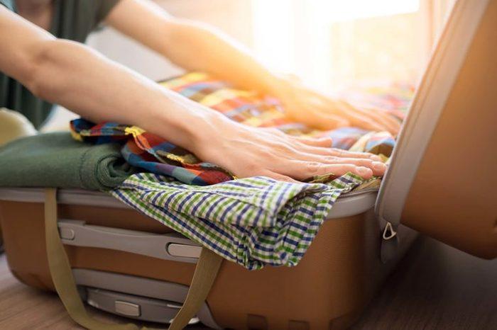 Les valises à roulettes sont plus pratiques pour voyager.