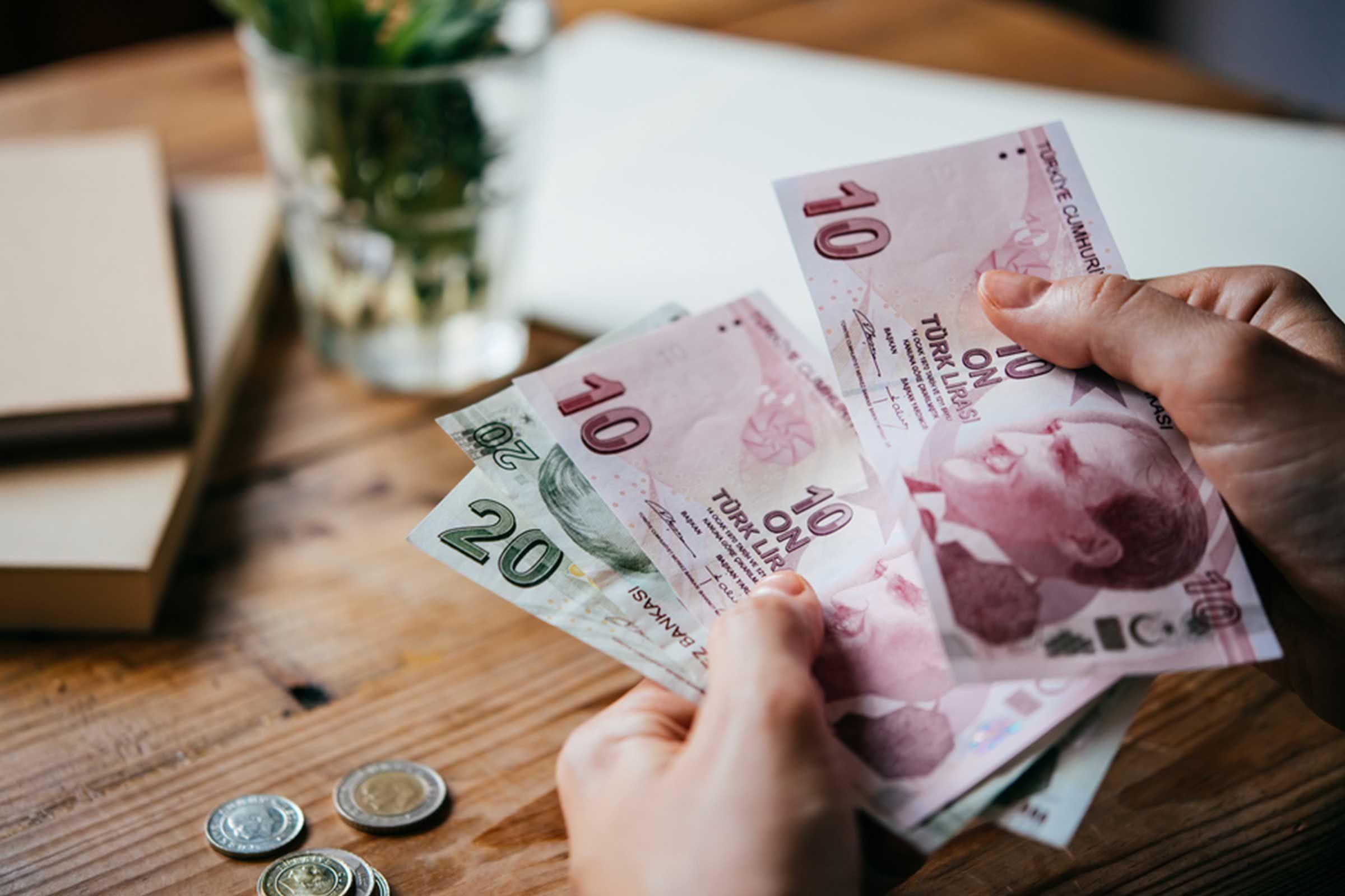 N'achetez pas de devises étrangères à l'aéroport