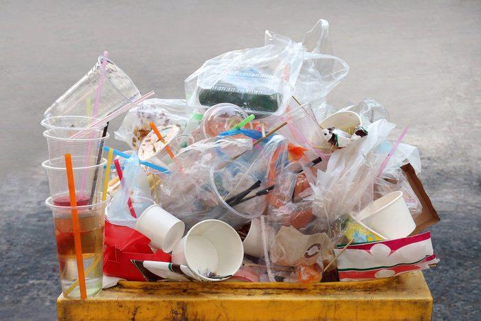 Si vous regardez autour de vous, vous constaterez que le plastique est partout.