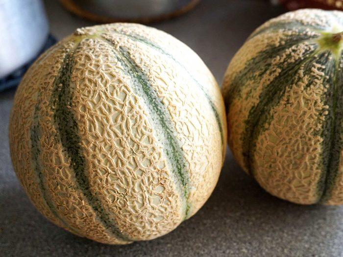 Le melon entier fait partie des aliments à ne pas mettre au réfrigérateur.