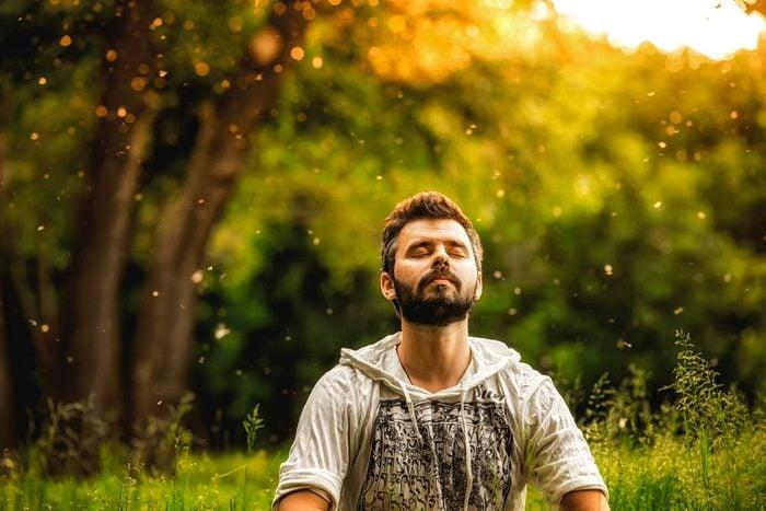 Alzheimer : apprenez à méditer pour réduire le risque.