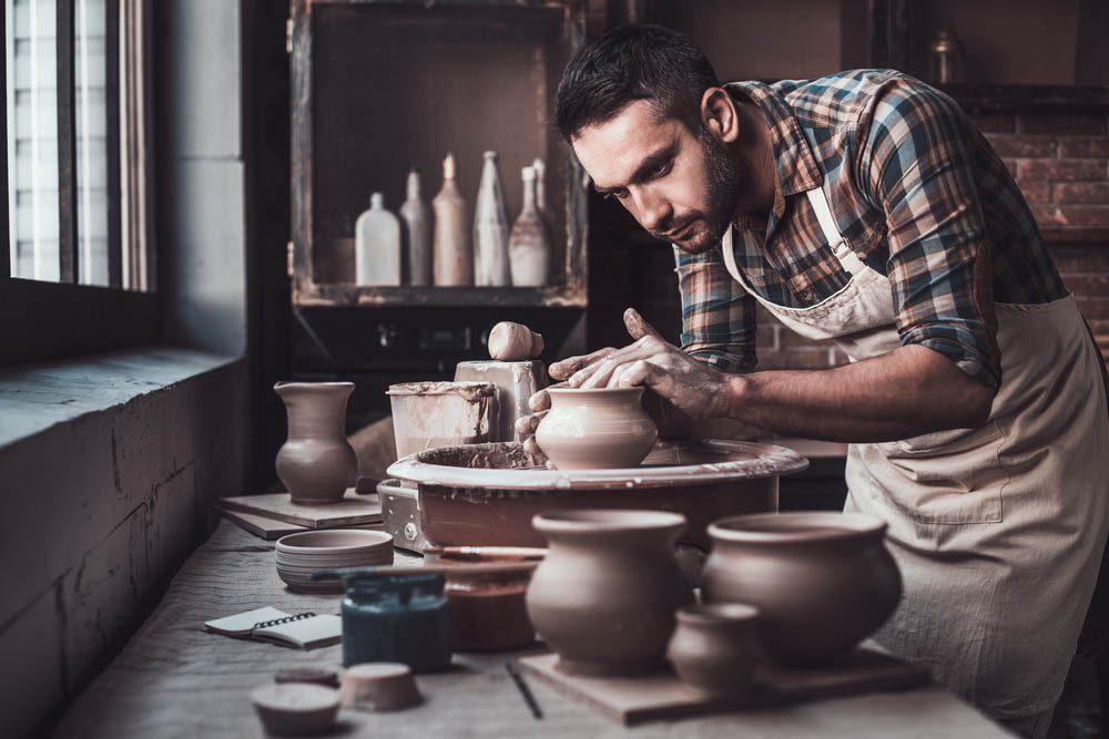 Alzheimer : l'artisanat est une activité qui aide à prévenir la maladie.