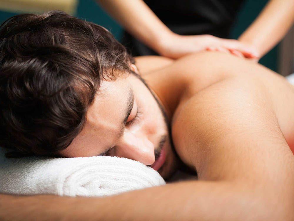 Un lien entre Alzheimer et les massages pourraient exister.