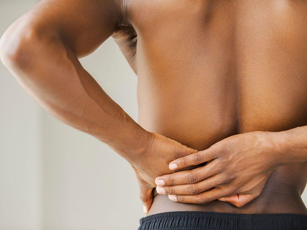 Une douleur dans le bas du dos pourrait signifier une artère bloquée.