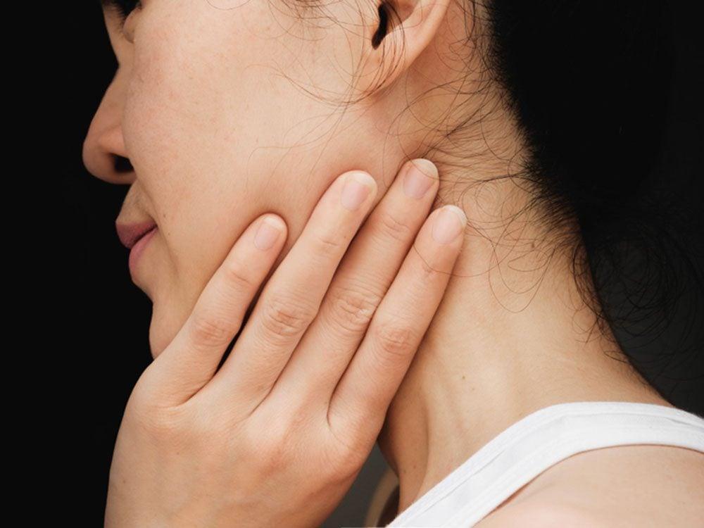 La mâchoire bloquée pourrait signifier une artère bloquée.