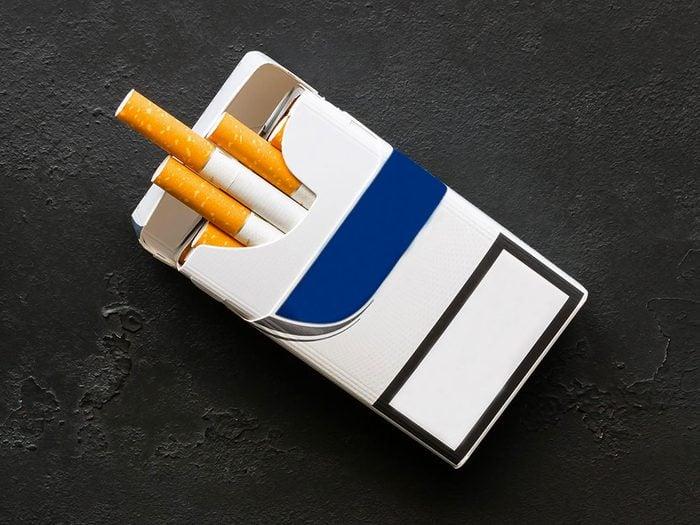 Les substances chimiques contenues dans le tabac pourrait provoquer une artère bloquée.